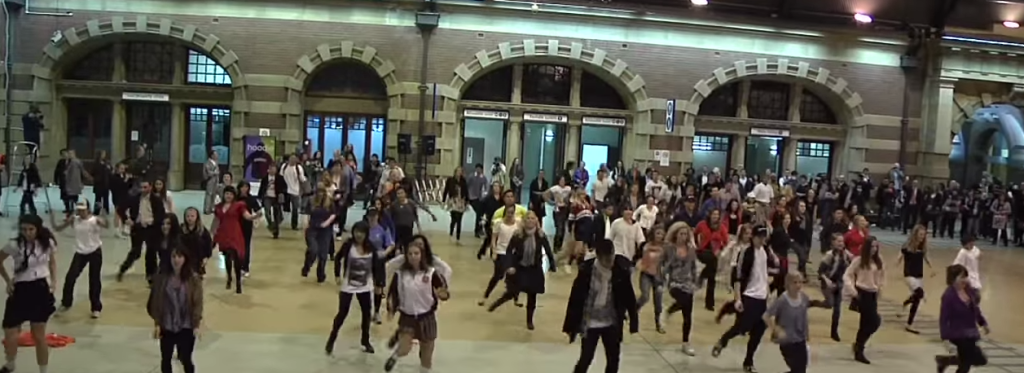 Students Flash Mob Dance at Central Station Sydney